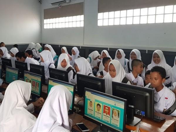 Pilkasis SMK Wongsorejo Gunakan Sistem Online
