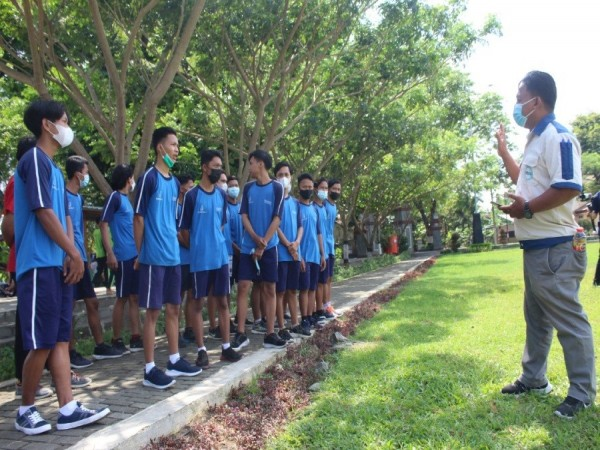 Adakan Seleksi Magang Dalam Negeri, SMK Wongsorejo Gombong Mendapat Kunjungan dari PT Tjokro Group